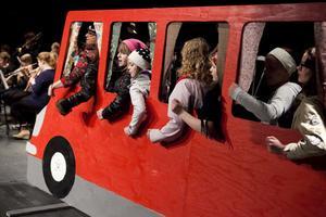 Bussen styr kosan mot Spanien, efter mycken övertalning.