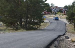 Asfalteringen av Hölicksvägen är nu klar – ända fram till fiskeläget.