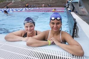 Johanna Hasselryd och Linnea Bäckman blev chockade när de fick veta att de blivit uttagna till tävlingen.