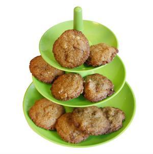 Valnötter och dajm förgyller dessa mumsiga kakor.