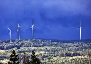 Vestas vindkraftpark i Jädraås – sedd från Kungsberget.