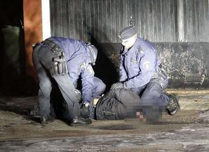 Man greps misstänkt för grov misshandel i Säter på lördagen.