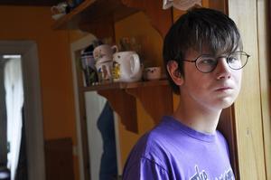 Pelle Sundberg, tolv år, Gävle, har den ovanliga sjukdomen Möbius syndrom. Det gör att han har dålig mimik och otydligt tal.