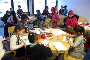 Klass två Hellbergsskolan i Skönsberg ritade sin bild av parken.