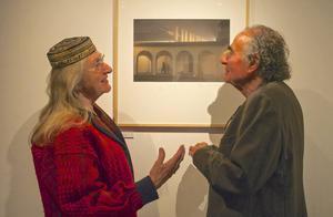 Gunilla Ellis och Nino Monastra diskuterar fotografi och arkitektur, de två komponenter som karaktäriserar Monastras bilder.