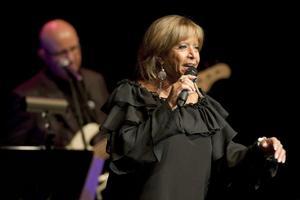 Lill-Babs tog med publiken på en resa bakåt i tiden och bjöd på många av sina gamla hits.