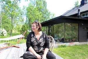 Lotta Löfgren är inredningsarkitekt.