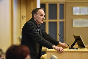 Göran Wåhlstedt  (V) ifrågasatte Ronny Edlunds människosyn.