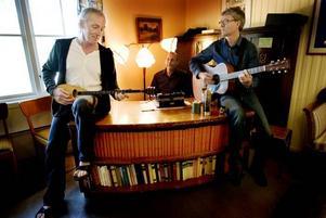 TONSATT. Bengt Söderhäll, Urban Forsgren och Lennart Östblom har tillsammans gjort musik till Stig Dagermans texter.