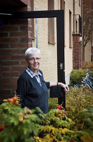 Birgitta Dyst har haft många roliga år med eleverna på pingisgymnasiets elevhem och på resor till bland annat Japan och Ungern.