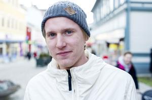 Max Toljamo, Örnsköldsvik:– Jag köper god mat, något lyxigt.