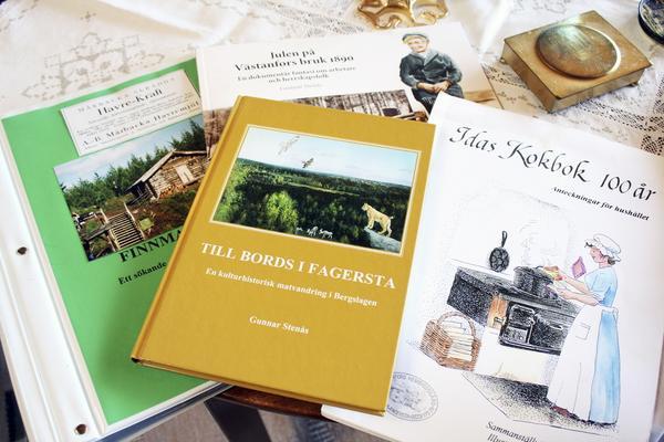 Hans eget. Den egenförfattade kokboken är hans stolthet, men han står som författare på fler verk.