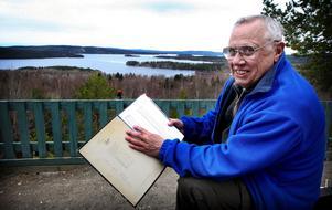 Nils Erik Nordqvist har fullständig koll på Väsmans sköljningsdatum sedan 1909. Årets datum, 10 april, är ett mycket ovanligt datum för Väsman att göra sig av med istäcket.