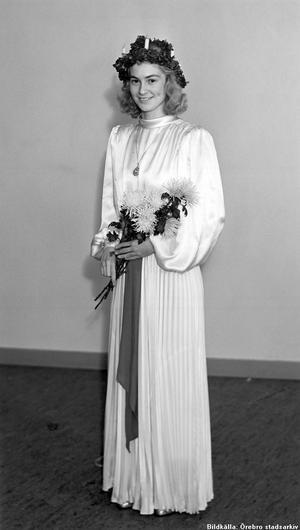 Örebros första officiella lucia. Året var 1938. Och lucian hette Aijna Skog.