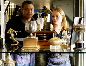"""Löser gåtor. Laurence Fishburne med den andra huvudrollsinnehavaren i """"CSI"""" Marg Helgenberger."""