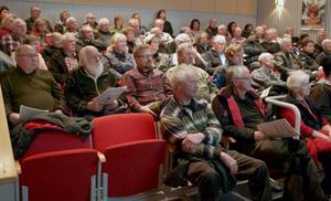 70 personer trängdes i ett fullsatt Folkets Hus i Strömsund på torsdagskvällen.
