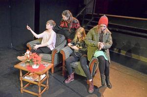 vedergällning. Från vänster: Liv Elgenklöw, Ebba Bock Tylebrink, Nellie Müntzing.