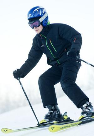 Eric Carlsson åker i Vettenbacken men saknar den stora backen som är stängt på grund av snöbrist.