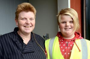 Elin Eriksson och hennes dotter Judith Sundström på Matses mat hade öppet hus på gården under söndagen.