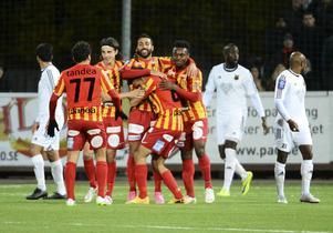 Syrianskajubel i matchen förra hösten mot Östersunds FK – en match som till slut ledde till avancemang till allsvenskan för ÖFK. Sedan dess har det gått tungt för Syrianska i Superettan.