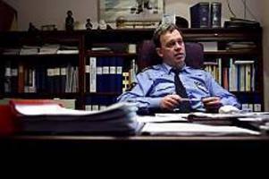 Arkivbild: ANNAKARIN BJÖRNSTRÖM Möte på torsdag. Länspolismästare Ulf Möller är beredd att avgå - om fackrepresentanterna säger att det finns ett misstroende mot honom.