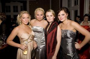 Alexandra Käck, Amanda Öholm, Linda Bergqvist och Lisa Olofsson.