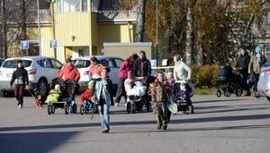 Melvin Limberg och Linus Thång gick i täten för höstparaden när den nådde Skålmogården.