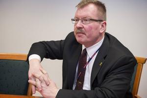 Tommy Gustafssdon Rask är påtagligt stolt över sitt BAE Systems Hägglunds. Men vd:n är också ödmjuk inför det faktum att hans företag betyder så mycket för kommunen.