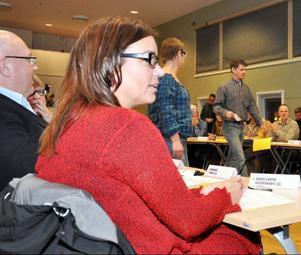 Anna-Caren Sätherberg och Thomas Hägg förhandlade för S och de röd-gröna med övriga partier efter valet. De upplevde ingen större vilja från VV utan såg dem som ett borgerligt parti som från början ville ingå i alliansen.