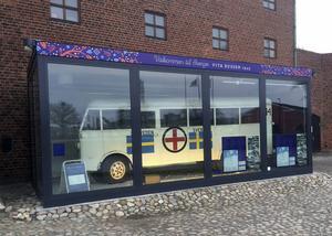 En av fem bevarande vita Röda kors-bussarna från 1945 finns nu vid Malmö museer.