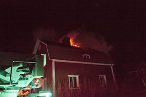 En villa i Utsund brann under tisdagskvällen.
