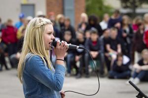 Evelina Jonsson fick stora och långa applåder efter sitt framträdande.