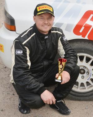 Niklas Hägg slutade tvåa i Rally Karlstad, nära segern.