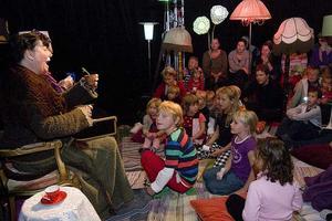 Teaterråttan och städdamen spelades på Teater Västmanlands lilla scen.