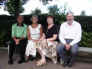 Noret-veteraner. Massud Farhang, Rigmor Björkman samt Kerstin och Björn Holback avtackades vid Noretskolans läsårsavslutning på fredagen. Alla fyra tillhör nu pensionärernas skara.