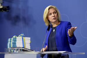 Finansminister Magdalena Andersson (S) presenterar regeringens höstbudget.
