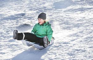 Irma Lind, 5 år, kastade sig utför backen.