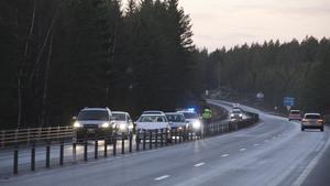 Två bilar krockade mellan Fagersta och Norberg på onsdagsmorgonen, vilket lett till begränsad framkomlighet vid olycksplatsen.