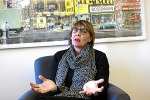 Regiondirektör Karin Stikå Mjöberg menar att ersättningarna för avslutade anställningar till chefer varierar i kostnader på grund av olika parametrar. Fotograf: Claes söderberg