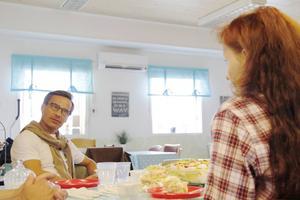 I Hushållsfixarnas lokaler blev en timmes samtal om sociala företag mellan Ulf Kristersson och Anna Ytell.