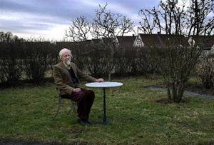Willy Kyrklund: enslingen i den svenska samtidslitteraturen.