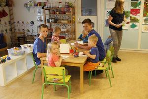 Alfred Leidstedt och Erik Larsson har praktiserat på Källbackens förskola i två veckor.