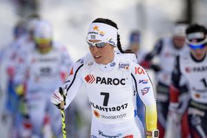Charlotte Kalla i skiathlonloppet – där hon tog brons.