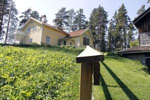 Värmebölja i Tallbo, Ecke Hedbergs konstnärshem i Kungsfors.