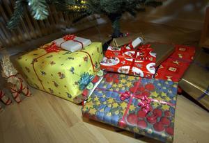 Inte bara hårda paket utan också det goda samtalet, språket bortom slagorden. Det önskar oss Tomas Melander till jul.