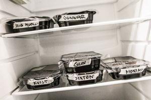 Maten lagas på centralköket i Kälarne där den hämtas av hemtjänstpersonalen och körs ut till brukarna.