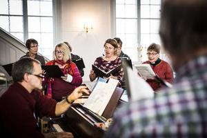 Gåxsjö kyrkokör och Hammerdals sångförening brukar varje år hårdsatsa på att sätta upp ett större verk. Kantor Matthias Schaletzky valde ut Otto Nicolais