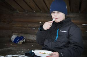 Erik Holmkvist tyckte att det smakade gott med lite wok i kylan.