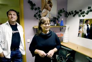 """fullr ös. """"Nu är det fullt ös hela tiden"""", säger Mats Almström och Margareta Andersson, eldsjälar i nyväckta Folkets Hus i Bomhus."""