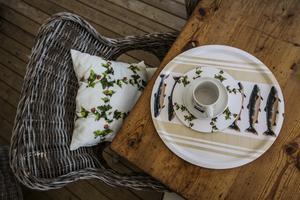 Både hjortronprodukterna och rödingfatet kommer från kollektionen Nordvild som representerar den jämtländska sommaren.